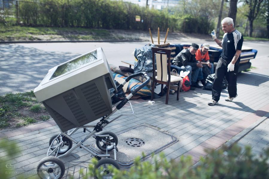 18 elwirak wystawki spring cleaning wysypisko bezdomni