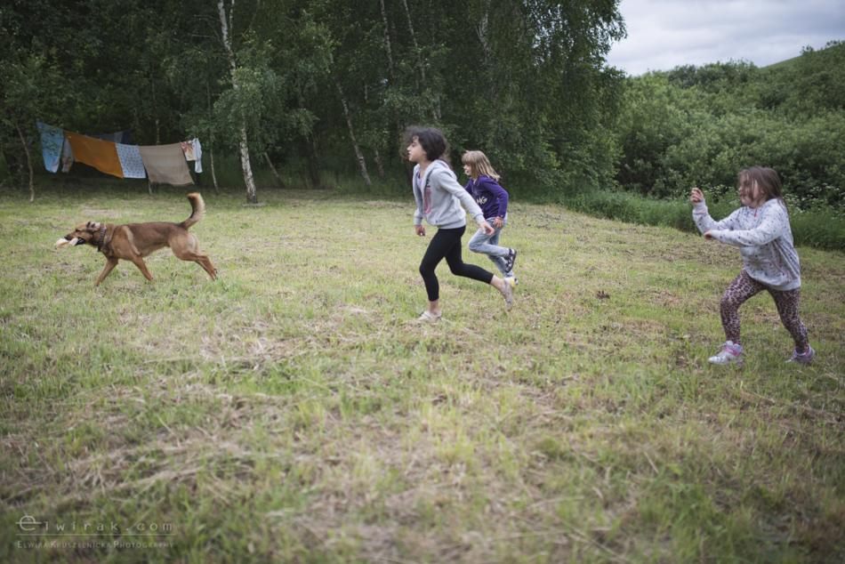Zabawa_kreatywna_dzieci_lalka_pies_dziewczynki (9)