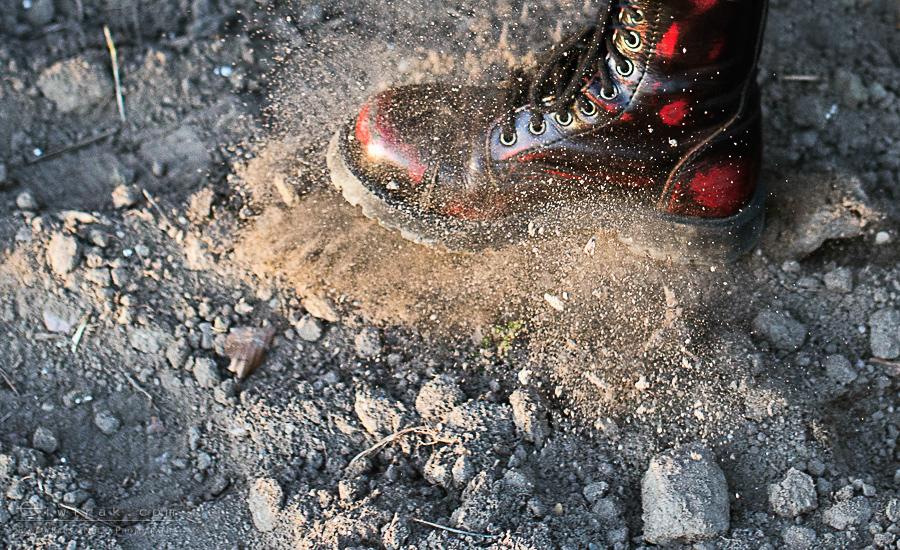04 wiosna kobiety nogi na wsi