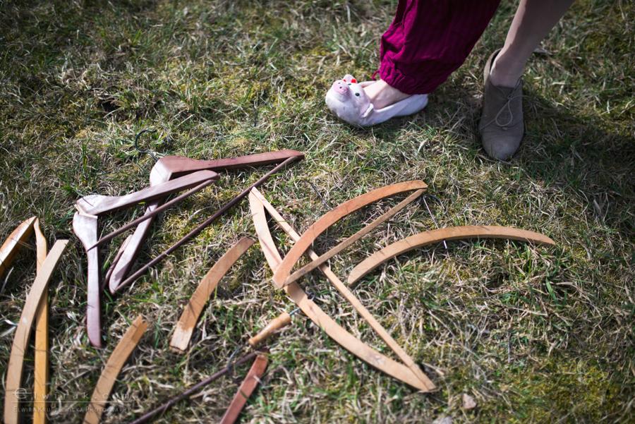 18 wiosna kobiety nogi na wsi