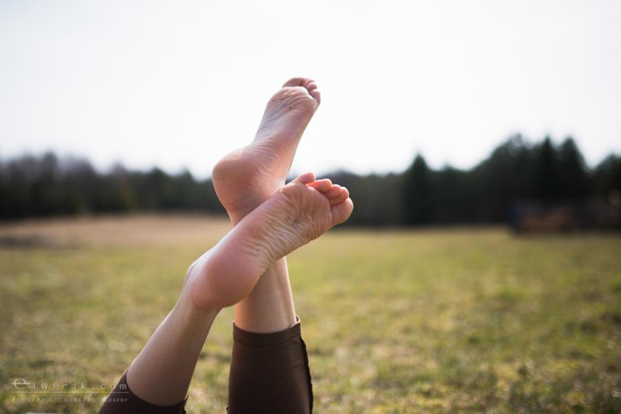 23 wiosna kobiety nogi na wsi