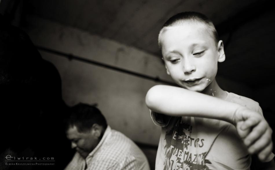 Dojenie_krowy_mleko_dziecko_fotoreportaz (5)-2