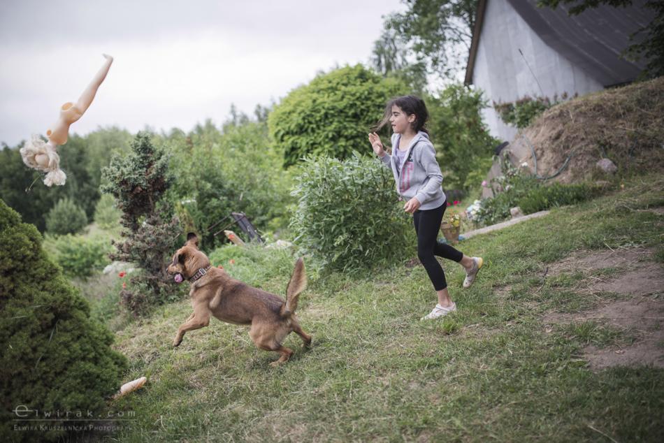 Zabawa_kreatywna_dzieci_lalka_pies_dziewczynki (7)