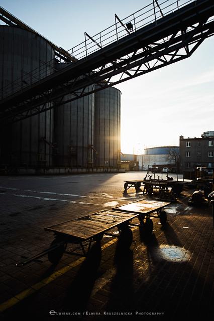 industralne wnetrza zdjecia stocznia port fabryka Gdynia (60)